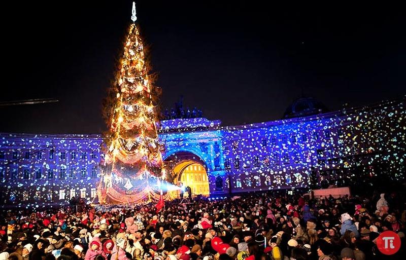 Новогодние елки 2017 в Москве и Санкт-Петербурге